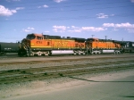 BNSF 4784 heads a westbound out of Belen