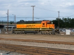 BNSF SD-40-2 #6885 switches the yard in new paint
