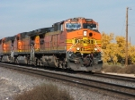 BNSF 4660 is head out on this eastbound at Mesa Rd.
