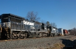 NS 8699 on NS 11R @ Hilltop