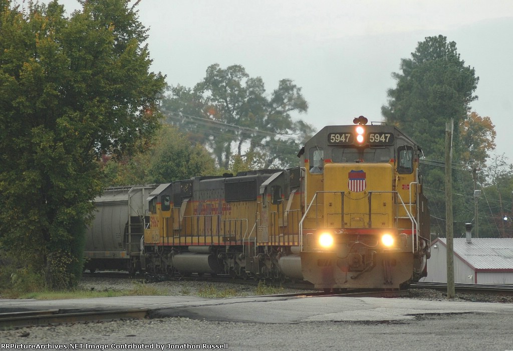 HLCX 5947 leads NS-54A @ The Wye