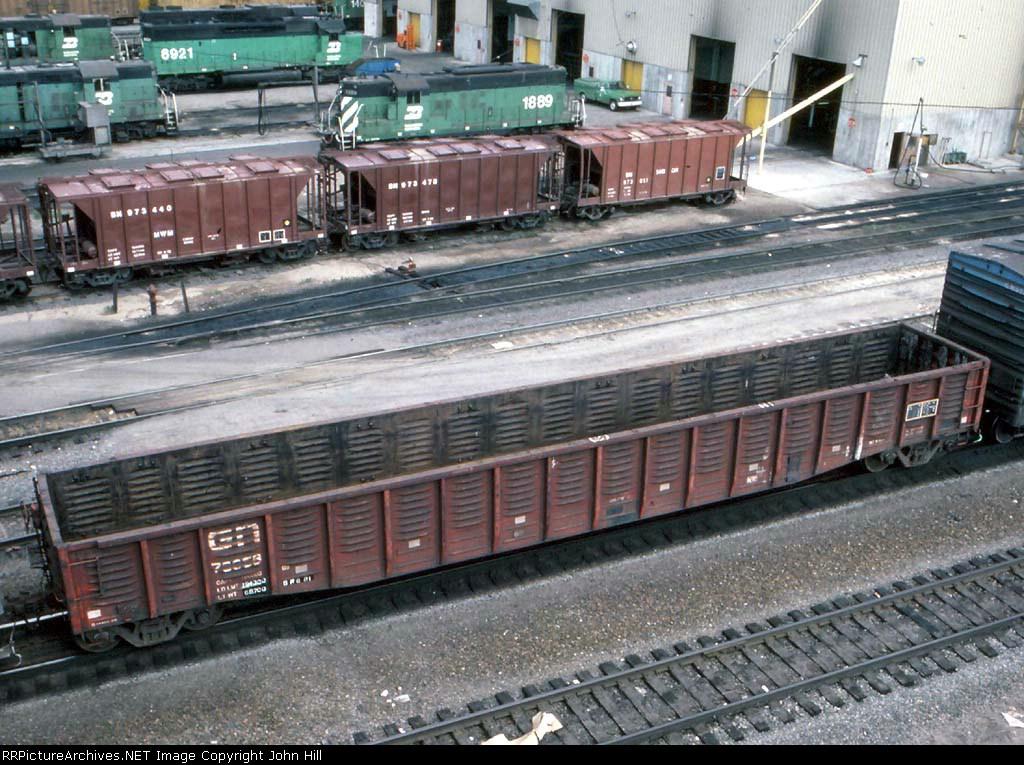 1245-19 BN Northtown diesel shop