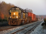 CSX 8047 leads a short Q327 west