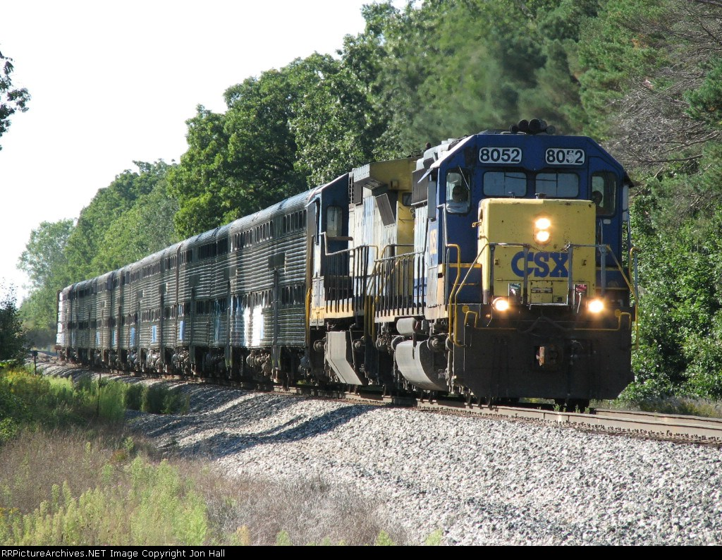 Q326-18 heads east again with 10 bi-levels in tow heading for the GLC