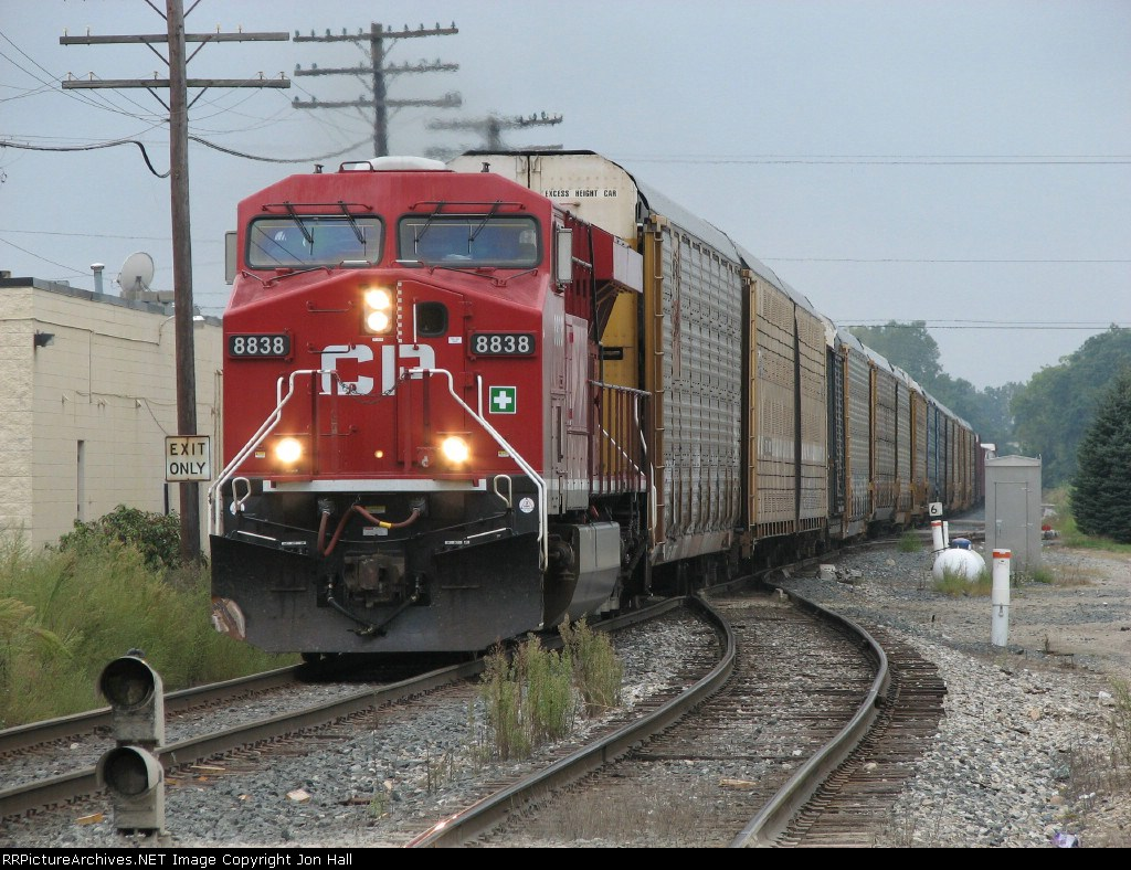 CP 8838 leads X502-27 east onto Track 2
