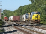 CSX 8776 & 7551 bring Q326-10 into the yard