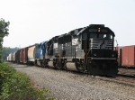 With a GP60 pair for power today, 36E reaches its destination