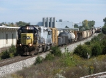 CSX 8461 leads Q335-27 as it makes its way west