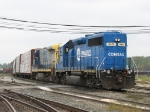 Y195 switching the east end with CSX 4411 for power