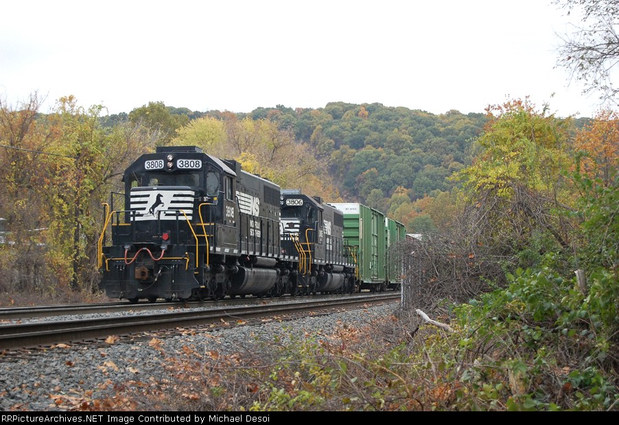 NS 3808 is the the Allentown Yard puller at the Ham