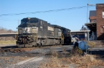 NS 8426 heads to Allentown after bringing in the eastbound Roadrailer