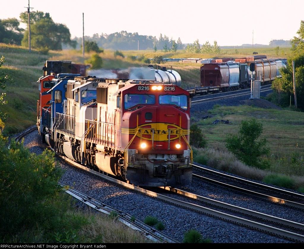 BNSF 8216