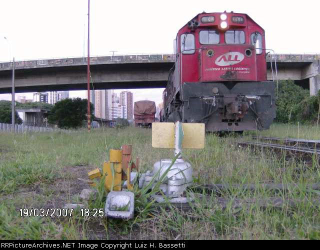 GT22 4604 In Curitiba Station-PR/BR