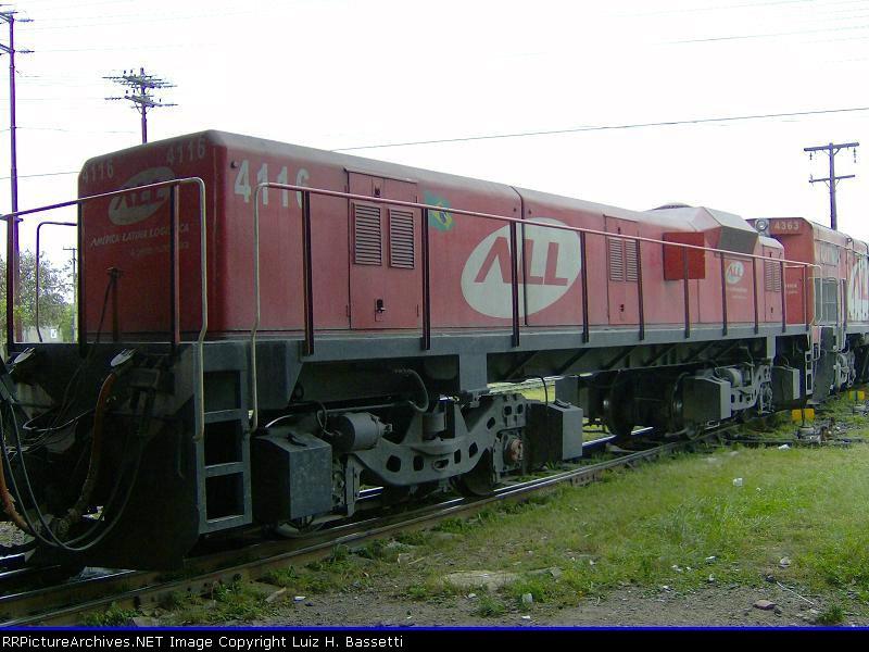 Slug M1 4116 In Curitiba Station-PR/BR