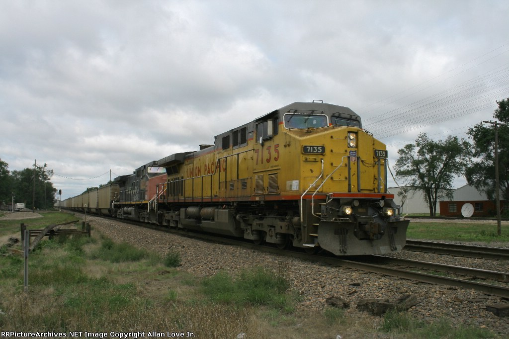 UP 7135 east