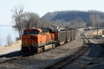 BNSF 6084 DPU SB heads towards Lovers Leap, notice the American Bald Eagle in the tree in the top left corner.