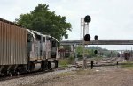 Crossing the Norfolk Southern main line at the diamond