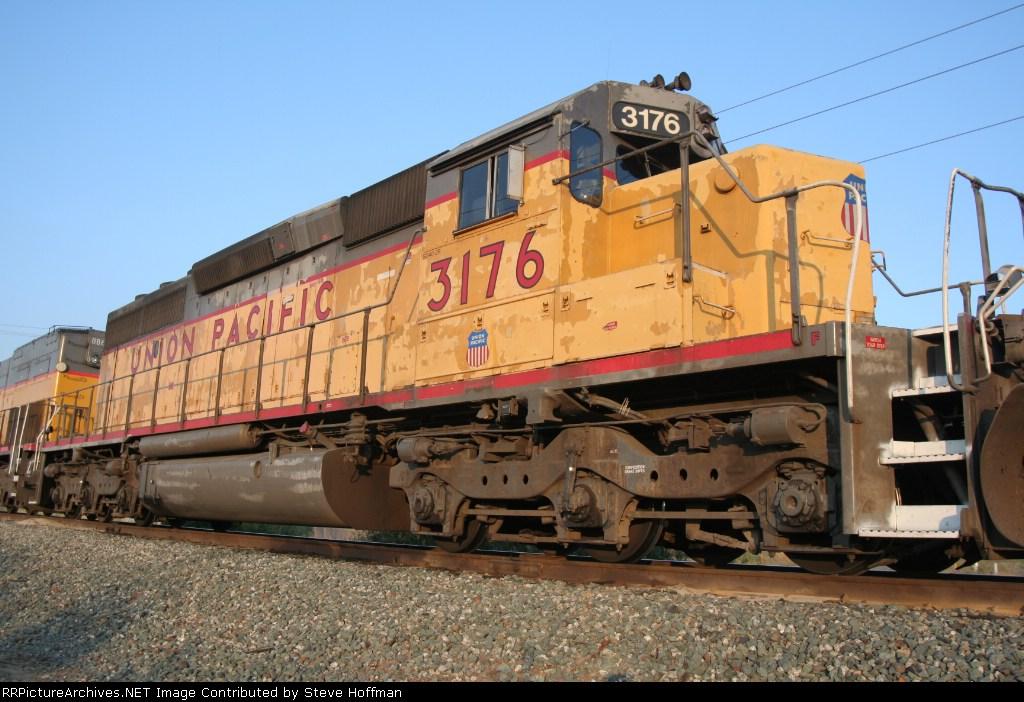 UP 3176