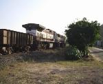 Traseira da BB40-9WM [1132] em Gov.Valadares-MG
