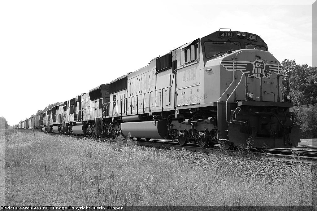 UP 4381, UP 3911, UP 9246, & UP 2294
