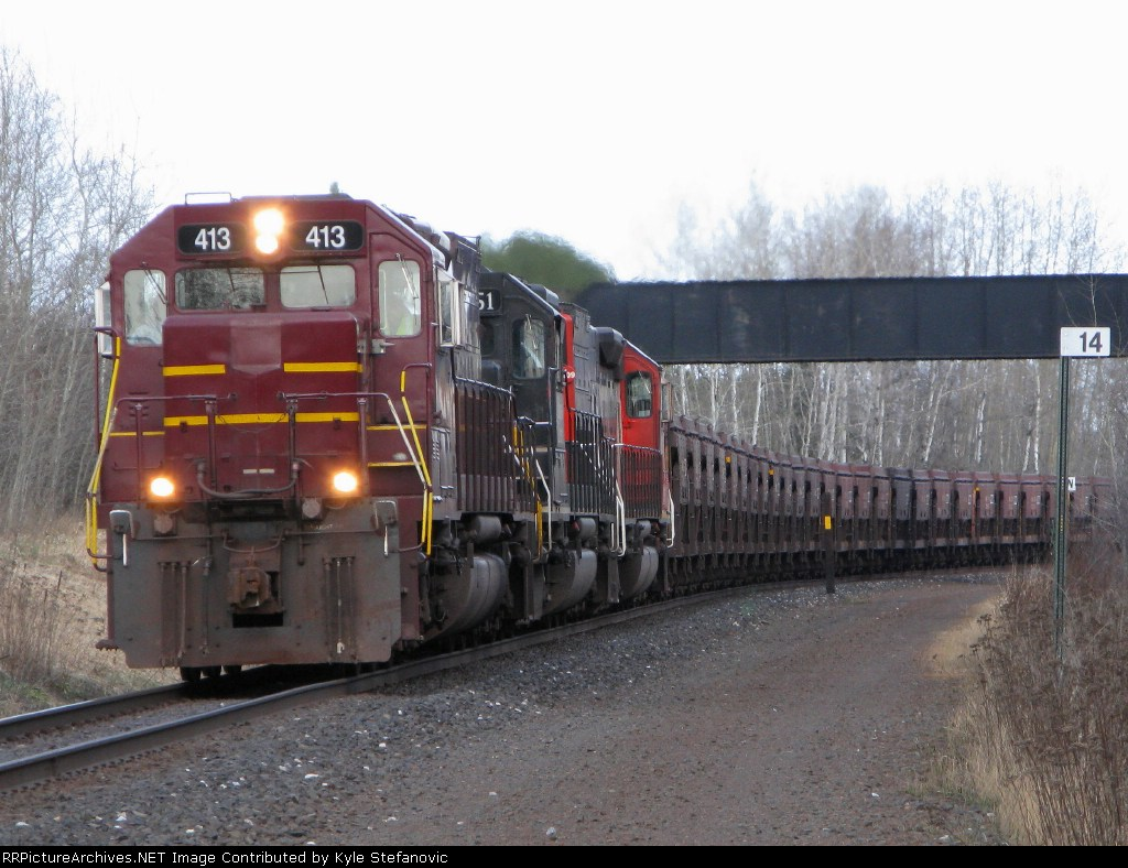 DMIR 413 passing under the old DWP main