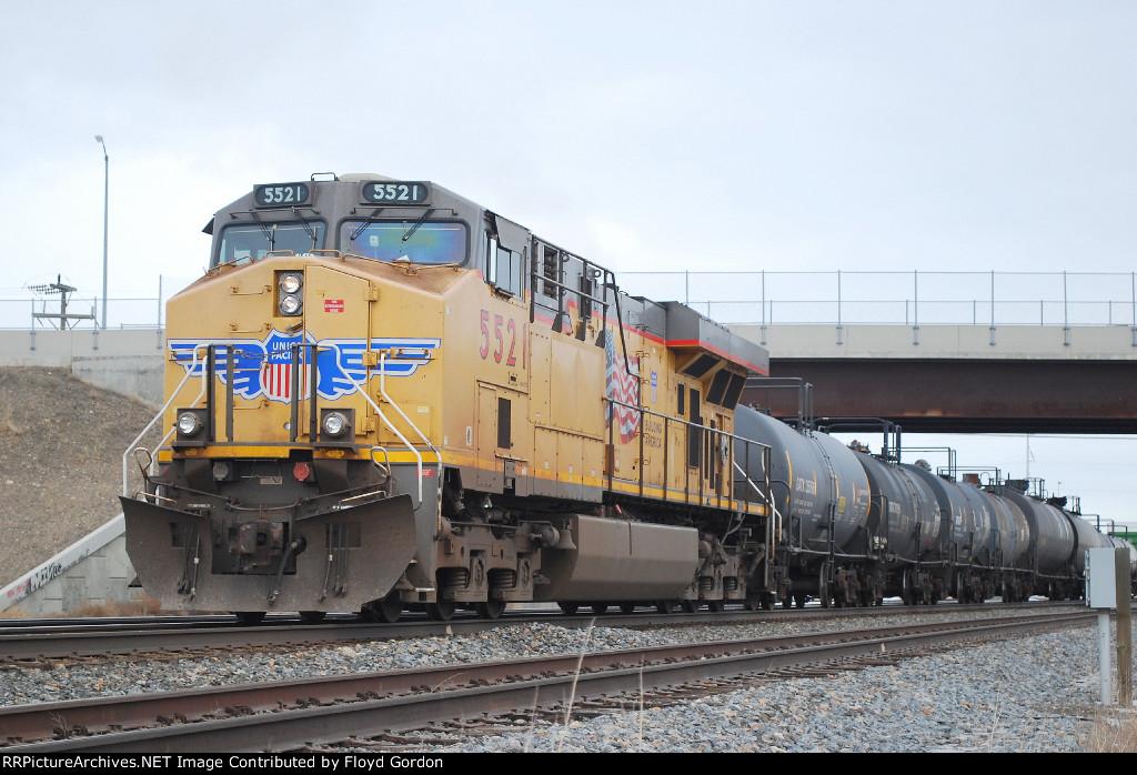 UP 5521 DPU on west bound UP freight