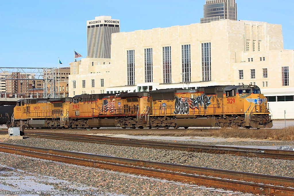 UP 5129 east