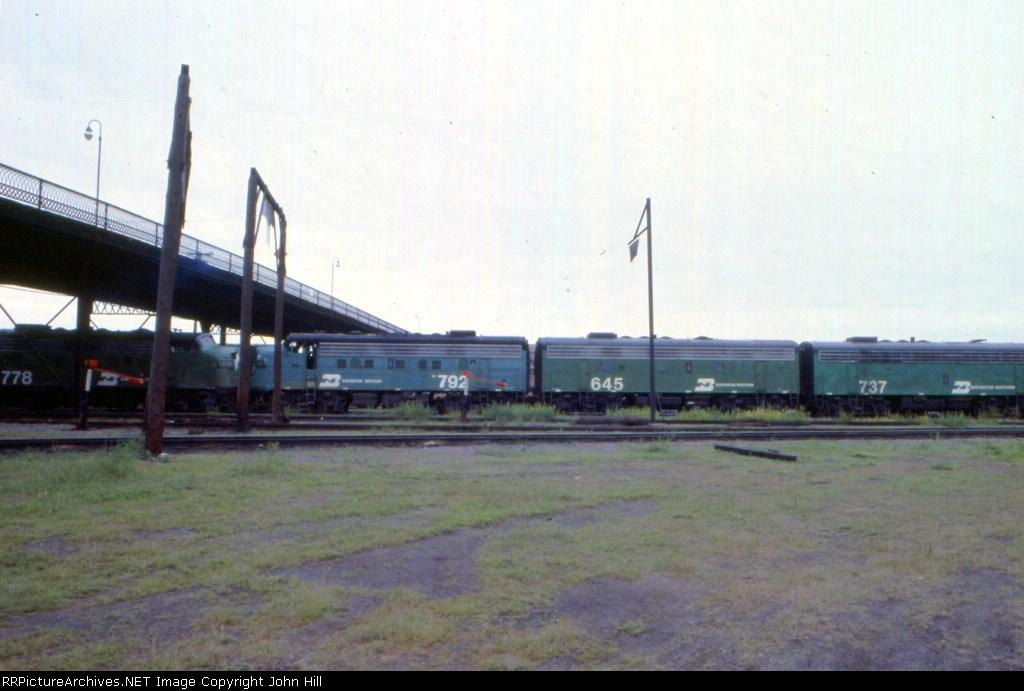 1184-30 BN Belknap St. Yard