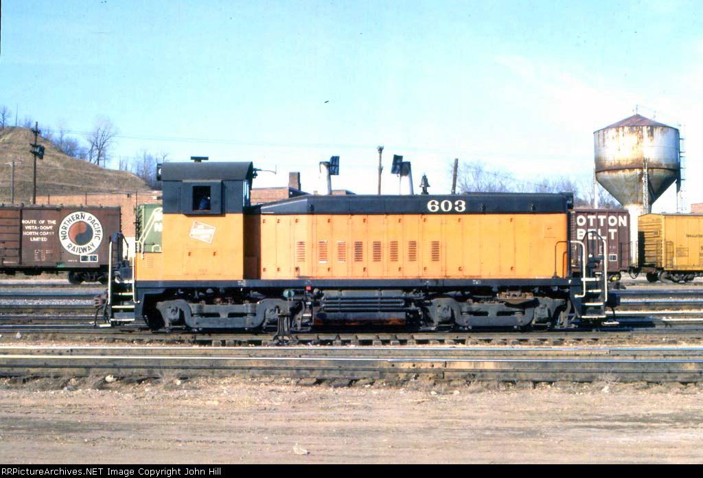 1148-04 MILW 603 across from BN Daytons Bluff Yard