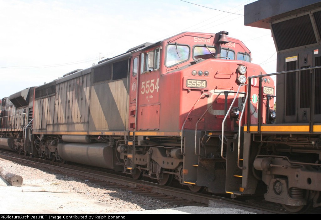 CN Cowl body SD40F in the consist of a southbound CN train