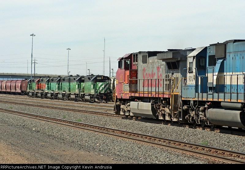 BNSF 687