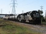 NS 7130 & 3032 lead B47 northward with 8 cars