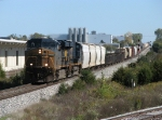 CSX 5289 & 5219 gain speed westbound with Q335-09