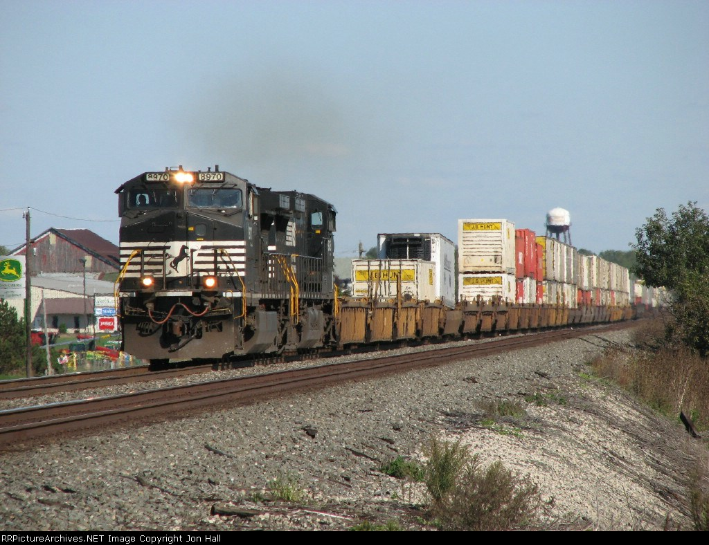 NS 8970 nears the Indiana state line with 23K