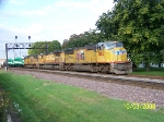 UP 3862 leads east manifest with a couple of green machines