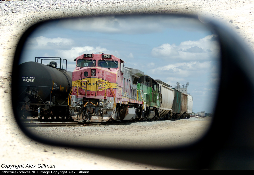 BNSF 542 East - Not Often In Your Mirror
