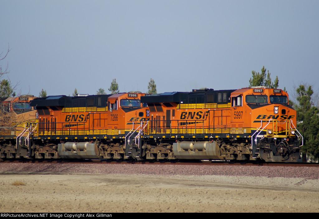 BNSF 5997 East