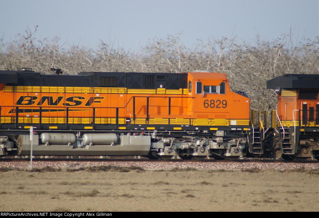 BNSF 6829 Westbound