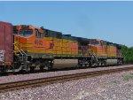 BNSF 4902, 4747 Eastbound