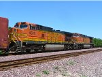 BNSF 4516 Eastbound