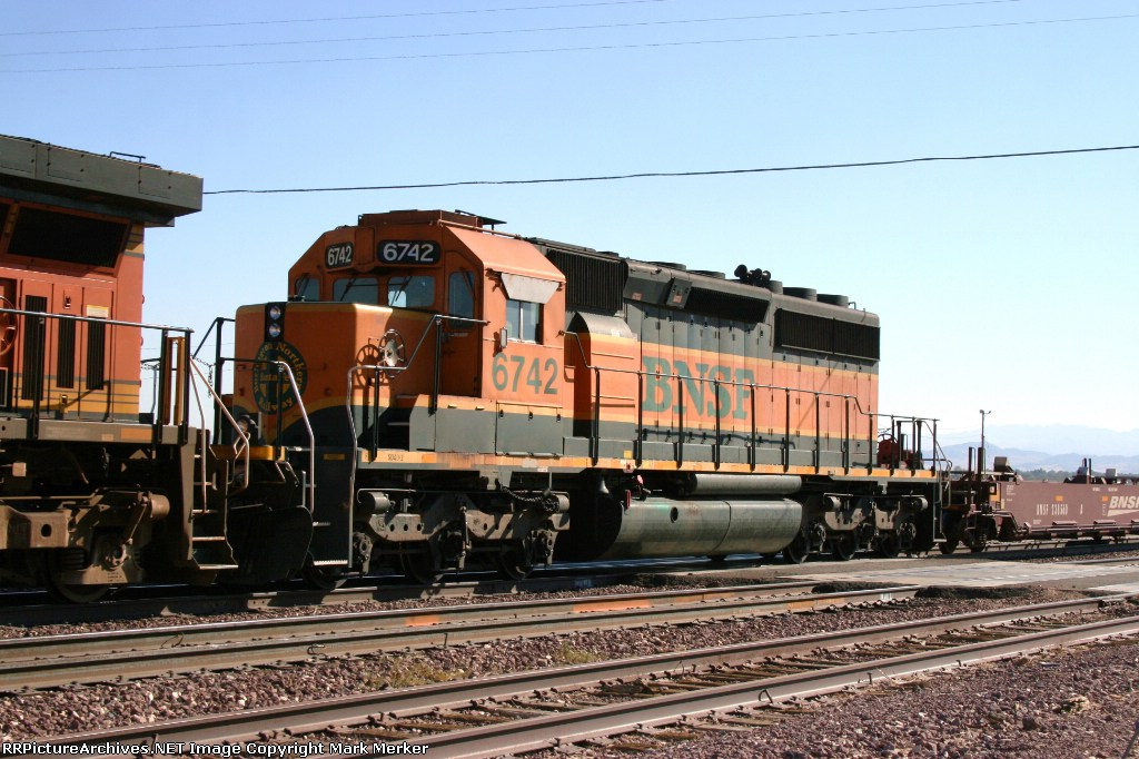 BNSF 6742
