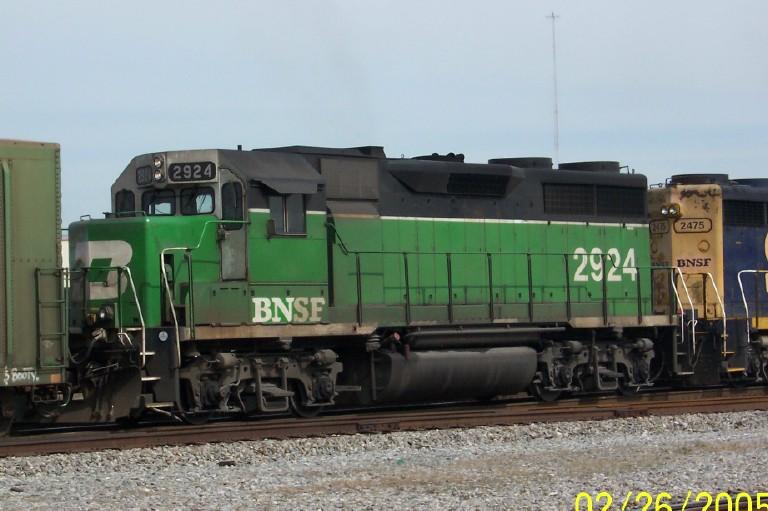 Close up of BNSF 2924 head'n towards NS Norris Yard