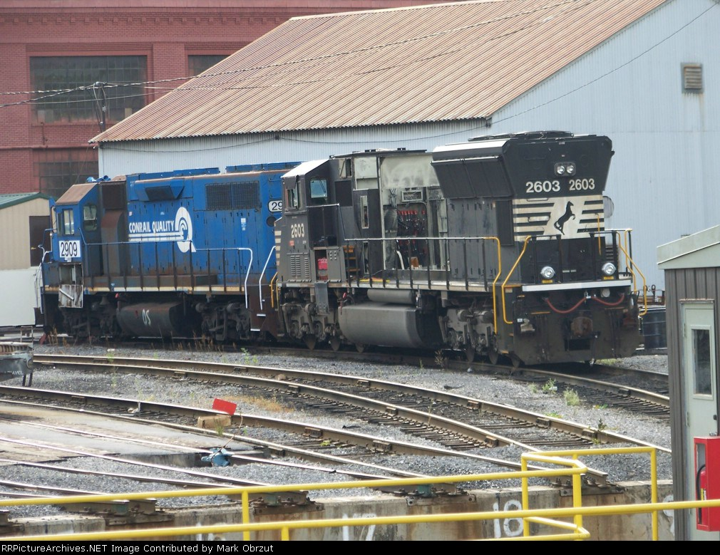 Norfolk Southern 2603 and 2909