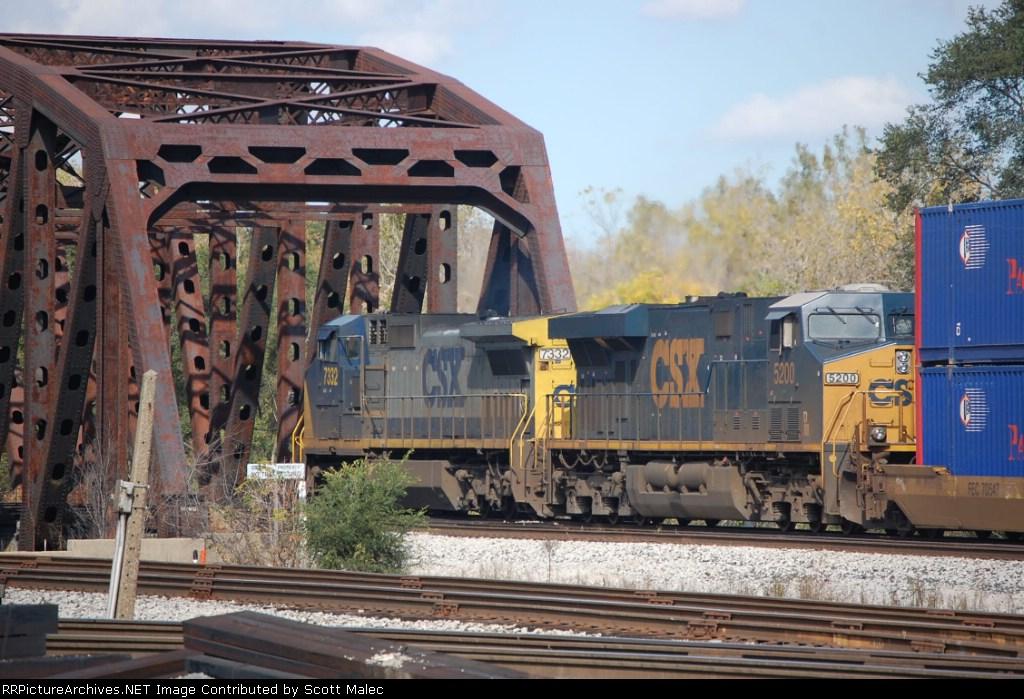 CSX 7332 & 5200