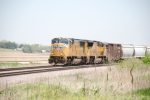 UP 4038 rounds the curve on the Trans-con