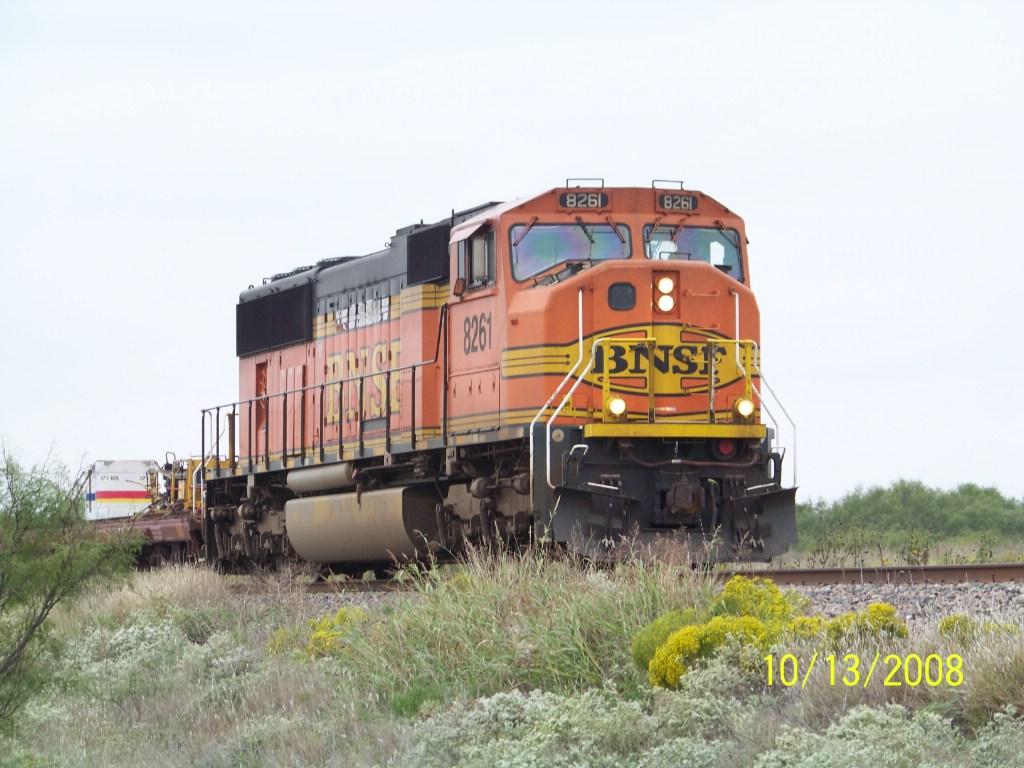 BNSF SD75M 8261