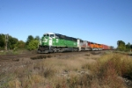 BNSF 8110 on Q381