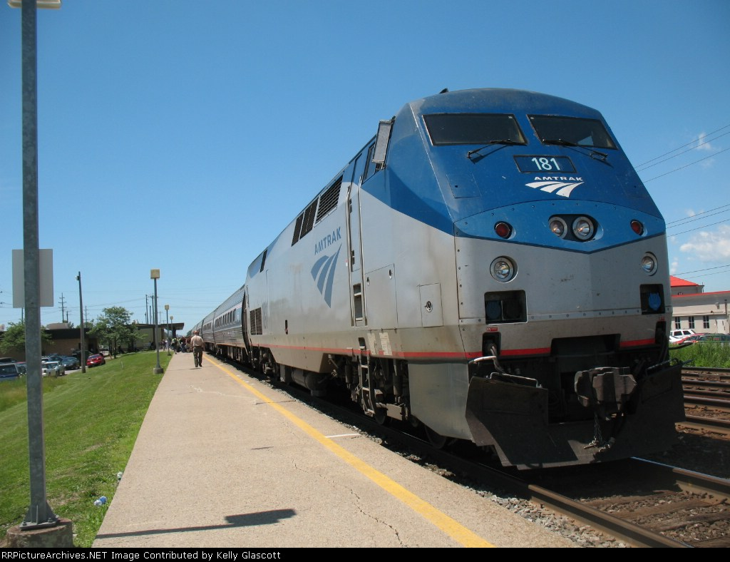 Amtrak train 64, The Maple Leaf