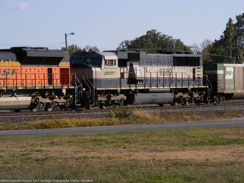 BNSF 9589