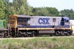CSX 7082 on Q602